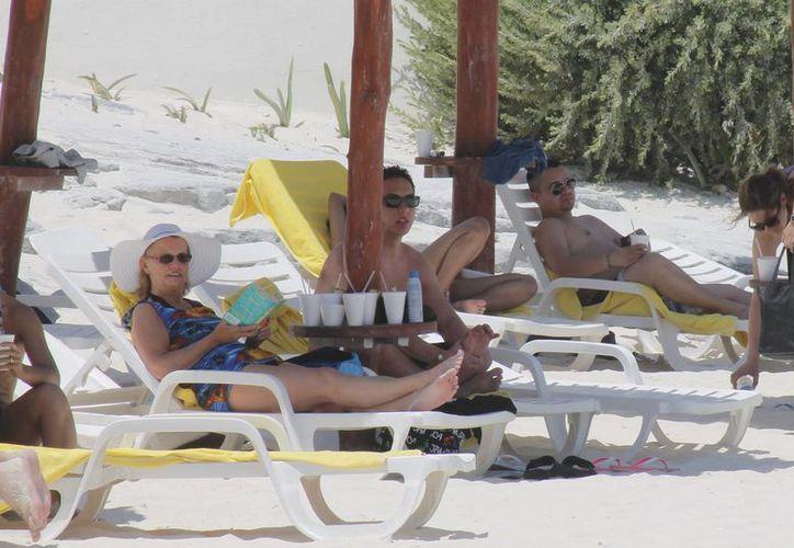 El líder de las agencias de viaje dijo que la promoción debe ser para incrementar el gasto de los turistas y no para que visiten con frecuencia el destino. (Jesús Tijerina/SIPSE)