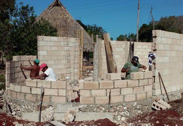 En Tixcacal Guardia se remodela el centro y se construye un nuevo cuartel para las guardias; en Chancá Veracruz, tres cuarteles y en Chumpón, un cuartel. (Jesús Caamal/SIPSE)