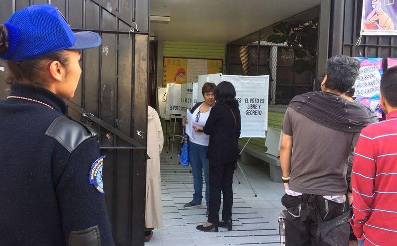 Desarmados, policías cuidarán las casillas en la Cdmx (Foto: El financiero)