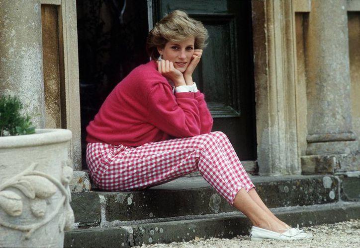 En 2006, informes de la policía descartaron la posibilidad de que la princesa Diana haya sido asesinada. (blogcdn.com)
