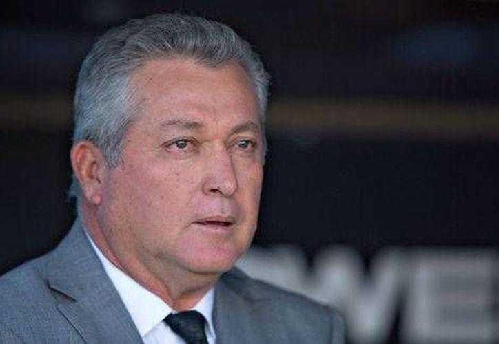 Víctor Manuel Vucetich se convirtió en el segundo Director Técnico en ser despedido en el Clausura 2017 de la Liga MX.(Foto tomada de Mediotiempo)