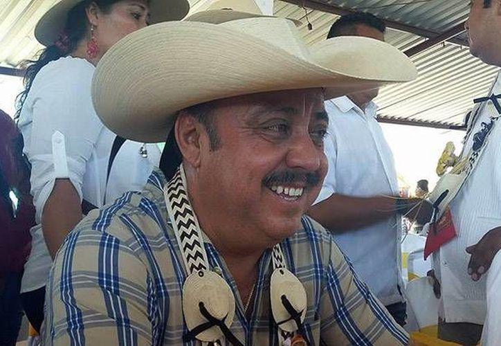 Ambrosio Soto Duarte fue emboscado en Michoacán cuando viajaba a Guerrero; además de su muerte se reportaron cuatro heridos. (Imagen tomada de proceso.com)