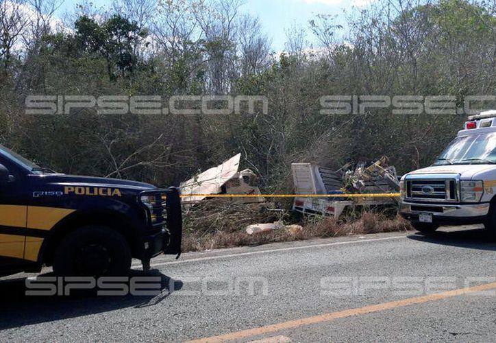 Una camioneta se salió del camino, en la carretera Mérida-Peto. Una persona murió en el lugar. El chofer se fugó. (SIPSE)
