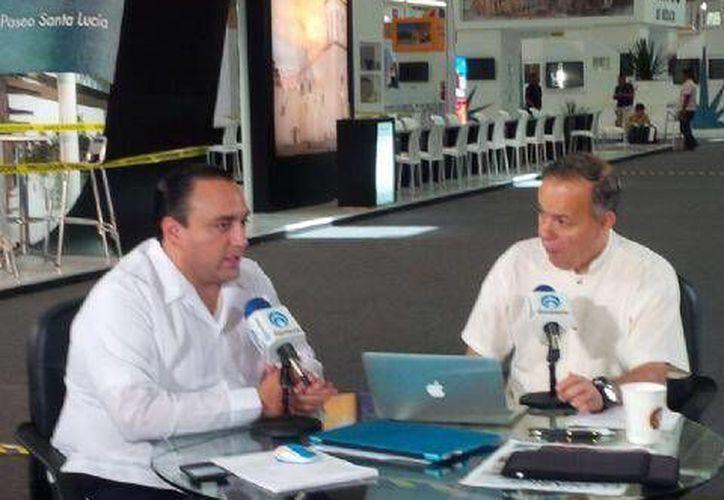 El gobernador Roberto Borge en entrevista con Ciro Gómez Leyva, la mañana de hoy. (Twitter/SIPSE)