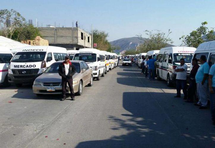 El gobierno de Guerrero detuvo a 73 personas en el enfrentamiento en la Autopista del Sol. (Notimex/archivo)