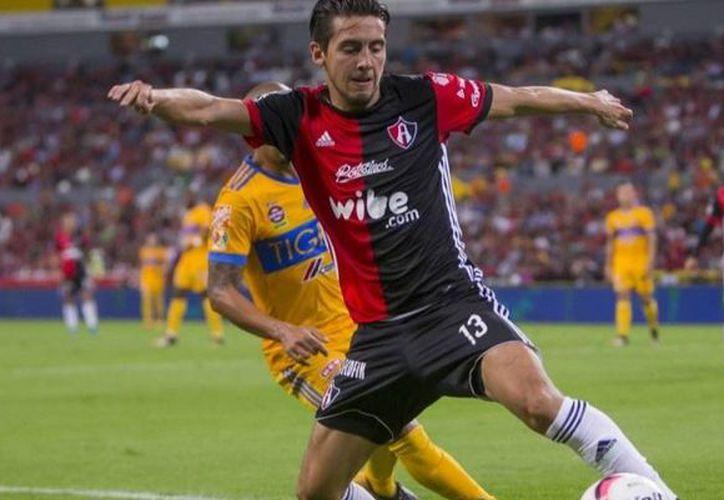 El medio campista inició su aventura en el fútbol profesional con Dorados de Sinaloa. (Foto: Récords)