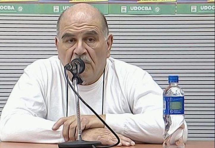 El profesor Miguel Ángel Porro estuvo hospitalizado por una semana tras ingerir veneno para cucarachas. (misionescuatro.com)