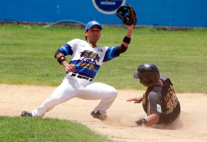 Los Tábanos mostraron garra y coraje a la hora de atacar las bases. (Foto:  José Acosta/Novedades Yucatán)