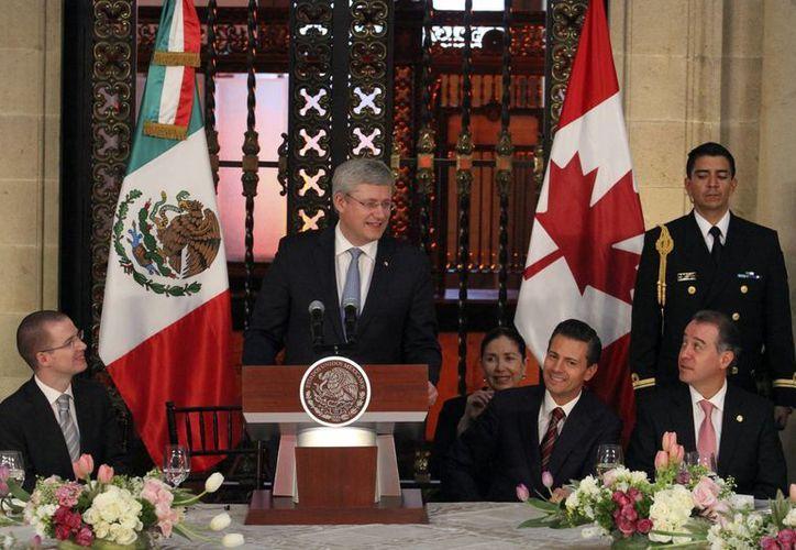 El primer ministro de Canadá, Stephen Harper, celebró diversos acuerdos con Peña en varios ámbitos. (Notimex)