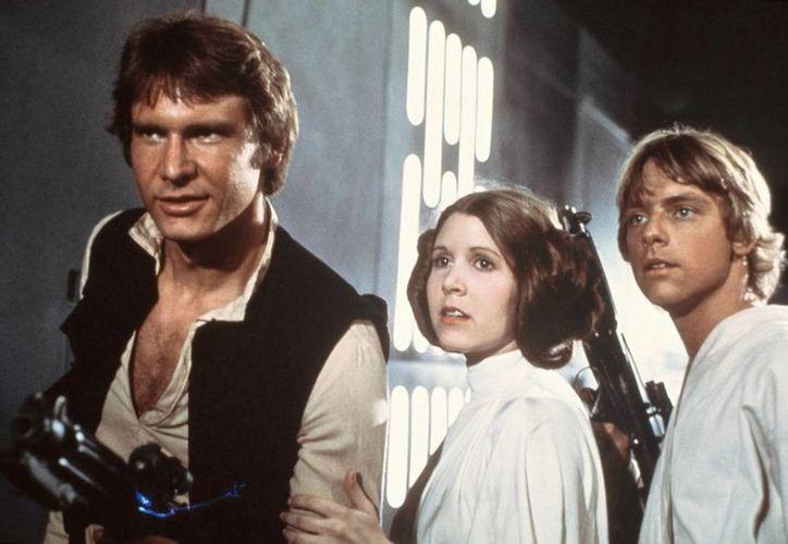 Hamill indicó que le gustaría que todos los actores de la trilogía original volvieran a hacer el filme. (Agencias)