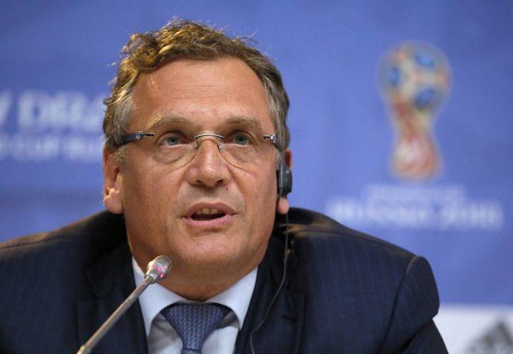 Jerome Valcke(foto) estará apartado de cualquier actividad relacionada con el futbol en los próximos 12 años, después de haber sido declarado culpable de actos de corrupción dentro de FIFA. (AP)