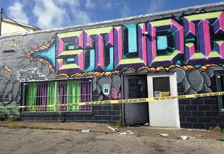 Un tiroteo afuera del Studio 74, un estudio de danza en la ciudad de Fort Worth, Texas, dejó dos muertos y al menos cuatro heridos. (AP)