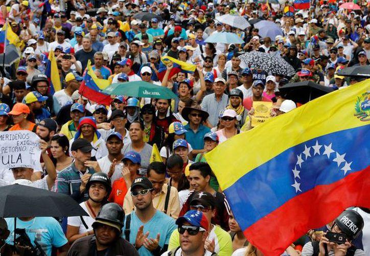 """El gobierno mexicano señala que Venezuela """"atraviesa por una situación interna compleja desde el punto de vista político, económico y social, que podría representar inconvenientes"""". (Contexto/Internet)."""