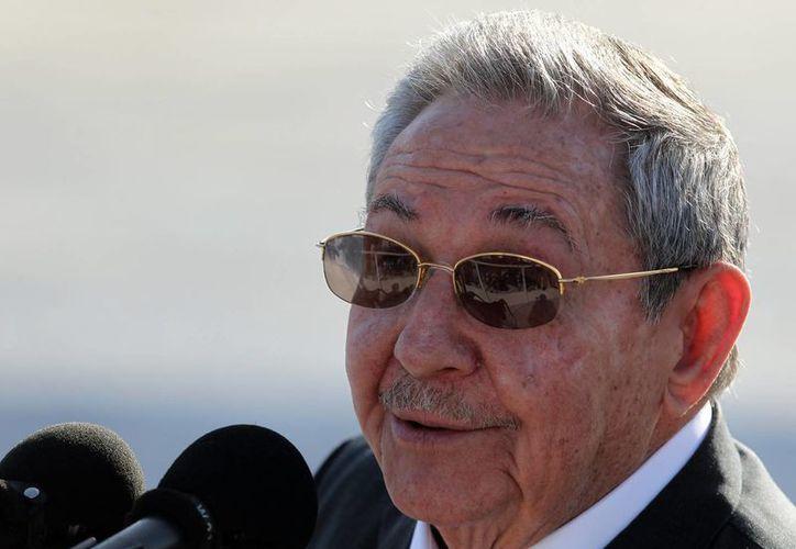 El presidente cubano Raúl Castro se reunión en Nueva York con el alcalde Bill de Blasio. (EFE)