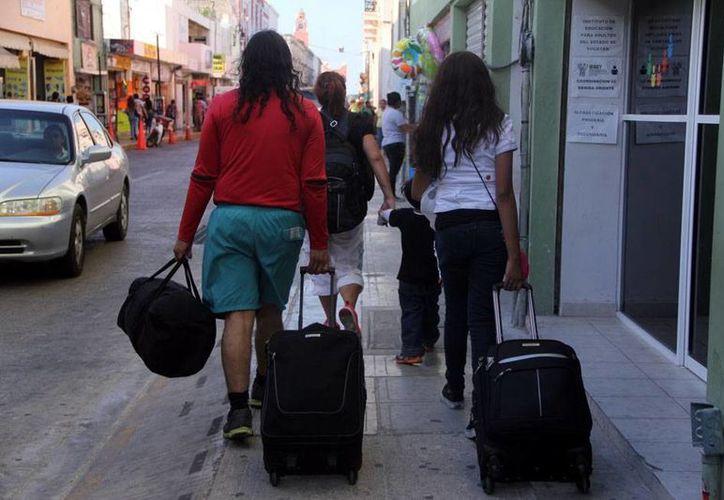Con las vacaciones de Semana Santa, la llegada de turistas a Yucatán se incrementa; la mayoría son de otros estados d ela República. (Milenio Novedades)