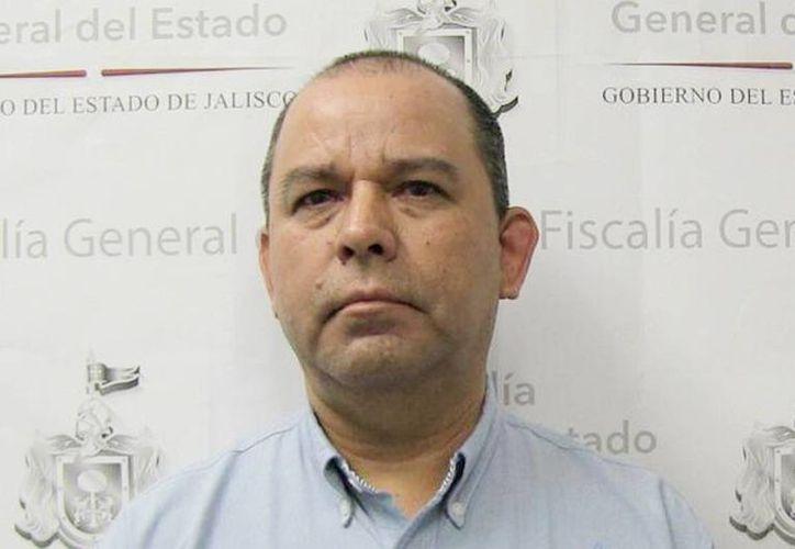 Foto proporcionada por las autoridades, del profesor Javier Ruiz Palafox que ya se encuentra en prisión. (@FiscaliaJal)