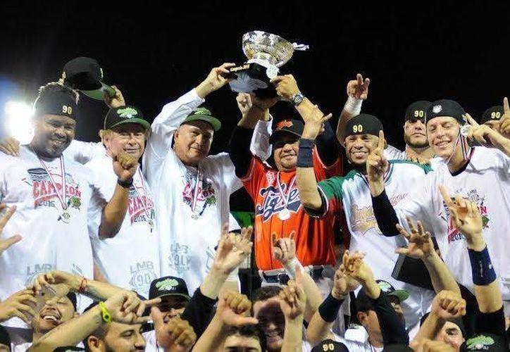 Los Tigres se coronaron como campeones de la Liga Mexicana de Béisbol 2015 al vencer a los Acereros de Monclova. (Redacción/SIPSE)