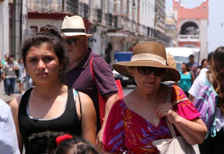 Este domingo se registró una máxima de 40.2 grados en Mérida. (Archivo/SIPSE)
