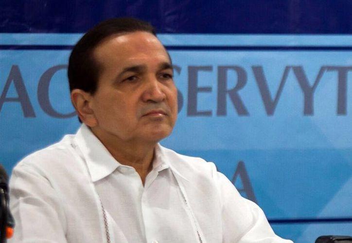 José Manuel López Campos, presidente de la Canacome, llamó a conducirse con respeto a la ley. (Milenio Novedades)