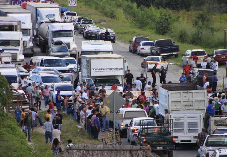 Los manifestantes deberán de presentar un aviso antes de realizar sus marchas. (Harold Alcocer/SIPSE)