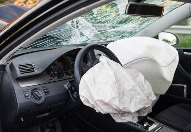 El conductor de un automóvil resultó lesionado por una bolsa de aire. (Pixabay).