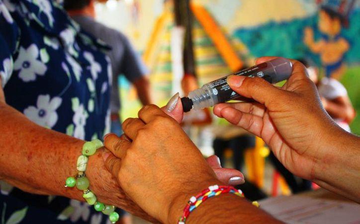 El IQM en Playa del Carmen celebró el 63 aniversario del voto de la mujer en México. (Daniel Pacheco/SIPSE)