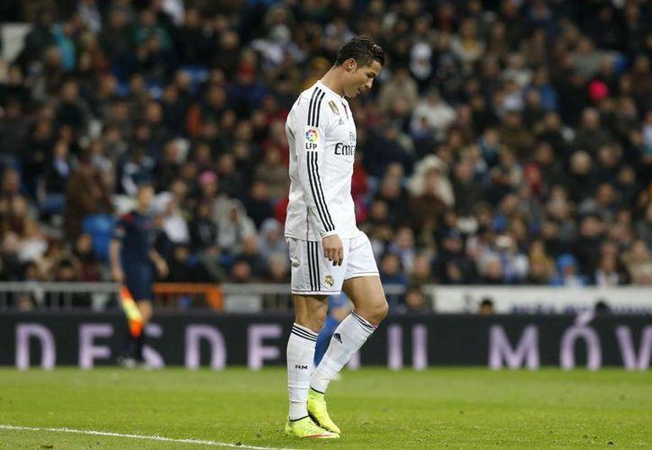 En el partido ante el Levante se puso en evidencia la baja que el astro portugués ha tenido en los últimos meses. (Foto: EFE)