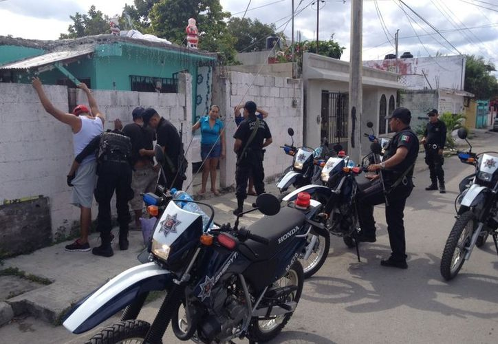 Vecinos de las regiones 510 y 519 piden que la policía implemente más patrullajes en la zona para evitar los robos en paraderos y en las calles. (Redacción/SIPSE)