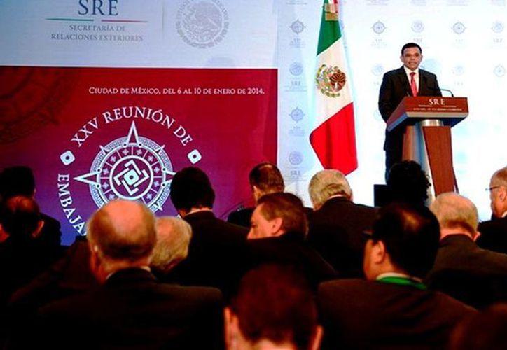 El gobernador Rolando Zapata Bello participó ayer en la XXV Reunión de Embajadores y Cónsules de México, realizada en el DF. (Cortesía)