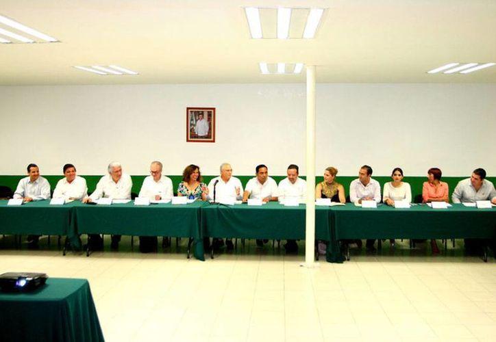 Este miércoles quedó instalado el Consejo Estatal de Red de Apoyo al Emprendedor en Yucatán. Los preside María Eugenia Medina Rincón. (Cortesía)