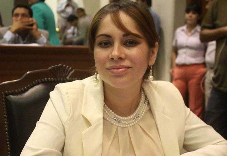 Lucero Guadalupe Sánchez está acusada de haber visitado en prisión a Joaquín Guzmán Loera con documentos falsos. (elhorizonte.mx)