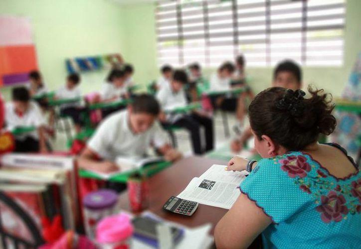 La 'homologación salarial' es una de las demandas frecuentes del magisterio en Yucatán. Isstey y SNTE abrieron una mesa de negociación que busca beneficiar a parte de los maestros en retiro. (Milenio Novedades)