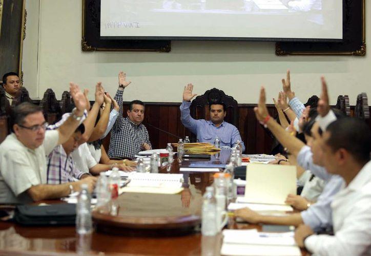 Los regidores de Mérida aprobaron el cambio de sede de la sesión solemne del próximo 6 de enero al Olimpo. (Milenio Novedades)