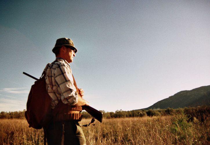 """Cazador croata murió de un disparo en Sudáfrica, mientras intentaba cazar un león en búsqueda de su nuevo """"trofeo"""". (Foto: El Comercio)"""