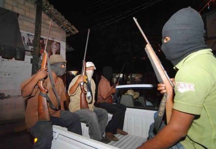 El pleito entre autodefensas michoacanas de La Ruana y de Buenavista aún no se resuelve. (Notimex/Archivo)