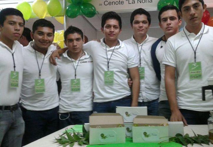 Participó un total de 358 estudiantes de las carreras de Administración, Gestión Empresarial, Contaduría e Informática. (Israel Leal/SIPSE)