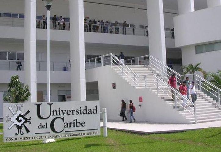 """La Universidad del Caribe impartirá el diplomado """"Bebidas Espirituosas Mexicanas más Representativas"""". (Contexto/SIPSE)"""
