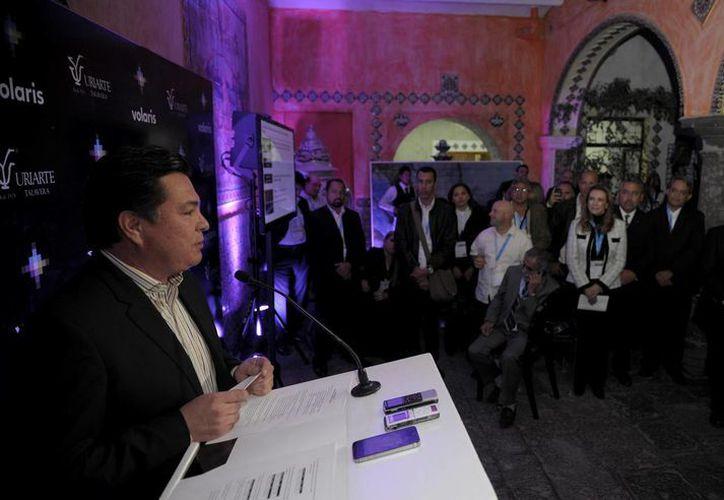 Juan Carlos González Hernández, secretario estatal de Turismo, dio a conocer las nuevas rutas a Cancún. (Redacción/SIPSE)