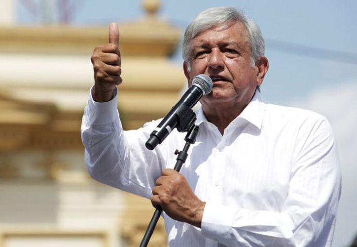 Andrés Manuel López Obrador realizó campaña política en Nuevo León.  (excelsior.com)