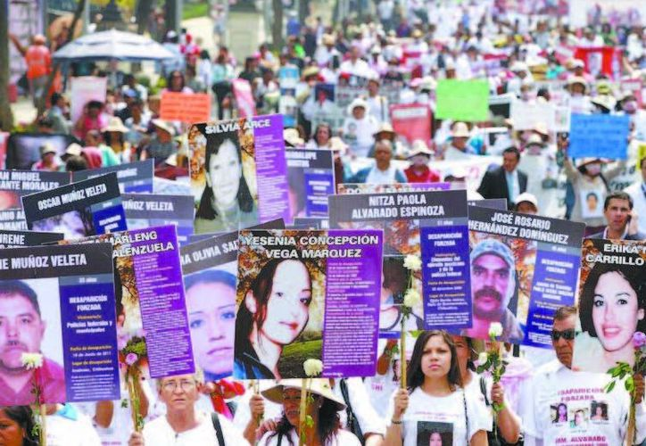 Miles marchan para exigir la búsqueda de sus familiares. (Mónica González/Milenio)