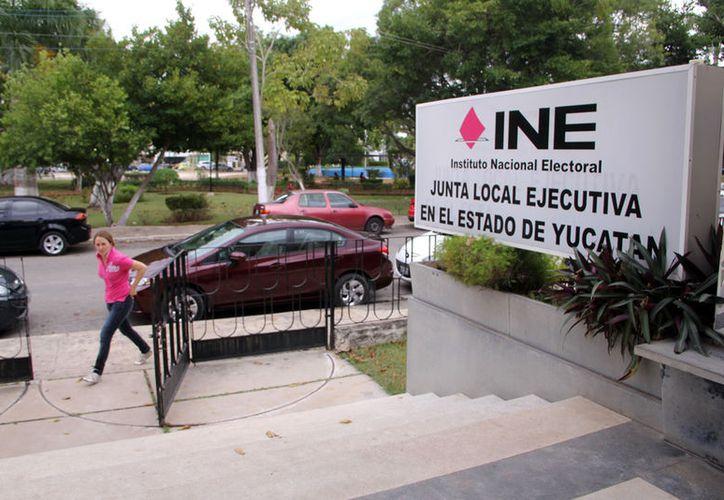 """El INE """"instruyó"""" al Ieapac a evitar que los partidos políticos propongan listas de nombre de candidatos a consejeros electorales. (Archivo/SIPSE)"""