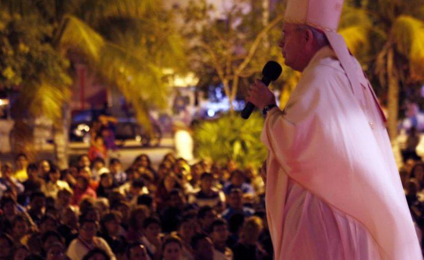 Pedro Pablo Elizondo Cárdenas comentó que cuando lleguen las 15 horas es el momento más fuerte de la Pasión. (Jesús Tijerina/SIPSE)