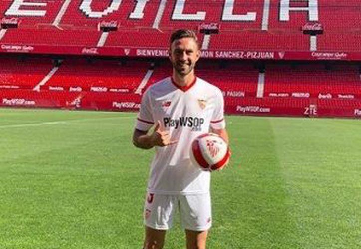 Layún sumó 259 minutos en la primera parte de esta temporada con la playera del Porto. (Instagram)