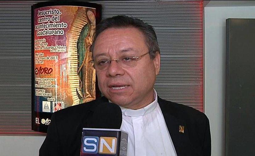 """Monseñor Eduardo Chávez ofreció la conferencia """"Jesucristo, centro del Acontecimiento Guadalupano"""". (Milenio Novedades)"""