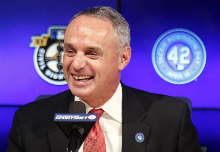 El nuevo comisionado de Grandes Ligas, Rob Manfred, dijo que el organismo rector del béisbol a nivel mundial debe exigir un compromiso a largo plazo de parte del COI antes de acordar un regreso a las olimpiadas. (Foto: AP)
