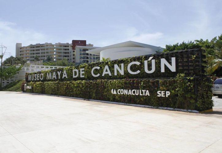 El Museo Maya de Cancún cuenta con tres salas de exhibición: dos permanentes y una temporal. (Sergio Orozco/SIPSE)