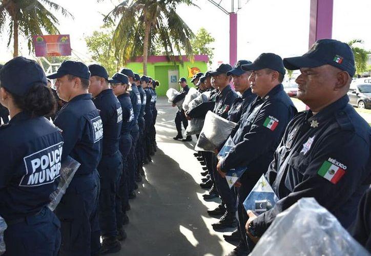 La Dirección General de Seguridad Pública y Tránsito del Ayuntamiento de Othón P. Blanco prepara la adquisición de vestuario y uniformes para sus elementos. (Daniel Tejada/SIPSE)
