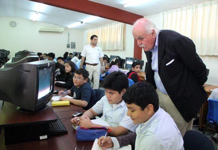 Carlos Casazus, director de CUDI, afirma que la educación se actualiza para beneficiarse de los avances tecnológicos. (Milenio Novedades)