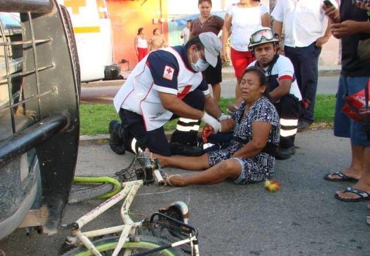 Guadalupe Pool Oxte recibió en el lugar los primeros auxilios. (Manuel Salazar/SIPSE)