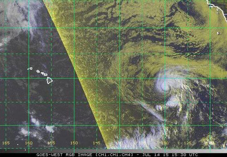 Mientras el huracán Dolores se aleja de México, la tormenta tropical Claudette avanza hacia Canadá. (ssd.noaa.gov)